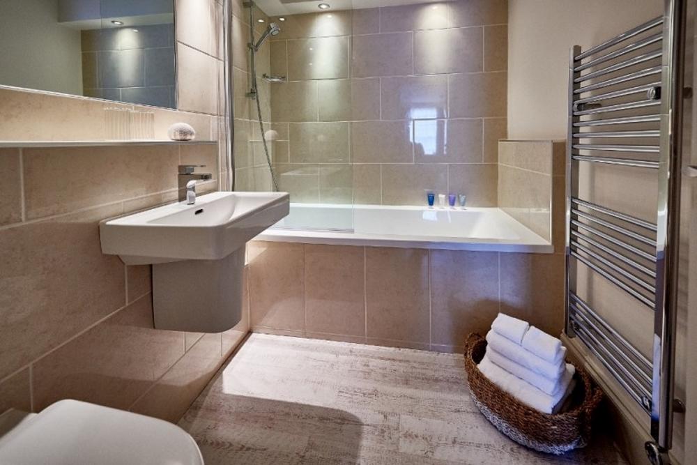 bathroom at St Mawes Hotel